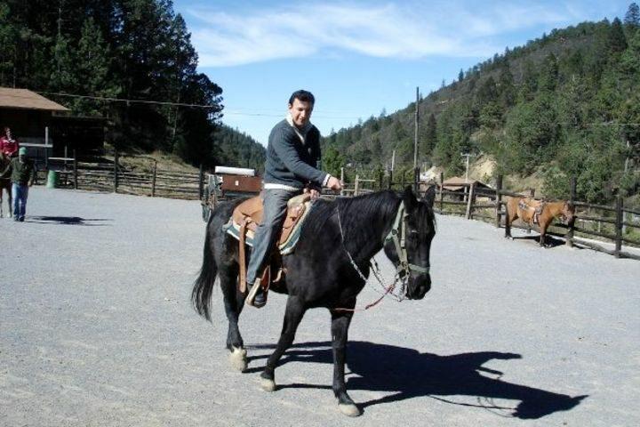 Paseo a Caballo en Monterreal. Foto: Julio García Castillo